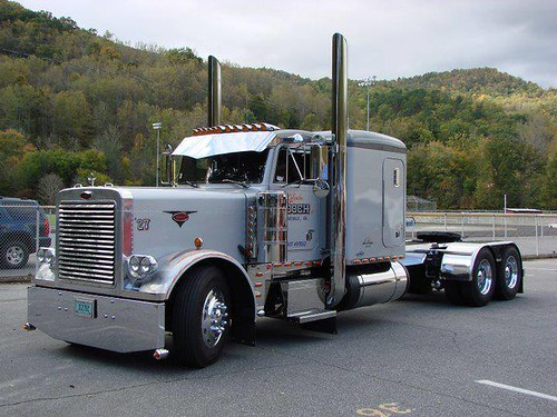 Gooch Trucking Company Inc. Owner Glendon Gooch's 379 1995 Peterbilt, Grey Ghost