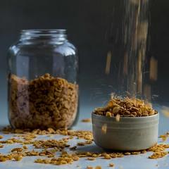 Trabajo realizado por Mauro Gatier (molinaripixel) Tags: de comida barbie online cereales alumnos composicion trabajos mesatrabajo luzambiente
