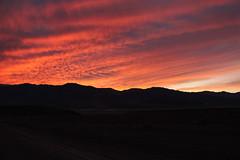 fogo (erudnitzki) Tags: california sunset pordosol sky usa mountains colors clouds cores cu eua contraste deathvalley montanhas nvens valedamorte