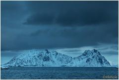 donkere luchten (HP003459) (Hetwie) Tags: winter snow nature norway night landscape see vakantie sneeuw natuur zee avond landschap eiland svolvr noorwegen nordland noorderlicht svinya huisjes rorbruer svolvr svinya