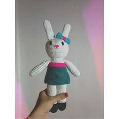 Hola. Soy Debbie (Miss Carlaina Love!) Tags: baby bunny art kids design knitting dolls babies handmade crochet knit nios etsy amigurumi diseo muecos crocheting bebs hechoamano coneja etsyseller etsyfinds etsyowner