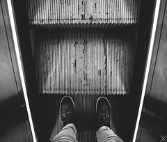 (Sandra Julie Photo) Tags: portrait vintage nikon noir noiretblanc lumière escalator ladefense nb baskets vans escalators blanc defense ville métal lumières ladéfense défense urbain selfie escaliers marches d610 escaliersmécaniques nikond610
