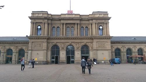Vorplatz Mainzer Hauptbahnhof