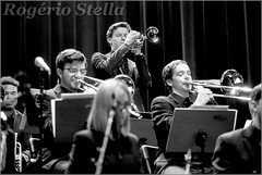 New York Youth Symphony Jazz Band (Rogerio Stella) Tags: show new york stella bw music white black branco youth portraits matt banda photography photo concert nikon photographer tour song retrato live stage gig performance band trumpet jazz pb preto rogerio portraiture idol instrument trombone fotografia documentation venue instruments msica ensemble symphony palco holman fotojornalismo dolo 2016 apresentao trumpete documentao documentarist 17member nyys brasswindandpercussion