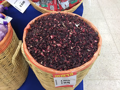 """Tulum: des fleurs d'hibiscus sèchées pour faire de l'agua de Jamaïca <a style=""""margin-left:10px; font-size:0.8em;"""" href=""""http://www.flickr.com/photos/127723101@N04/25961081822/"""" target=""""_blank"""">@flickr</a>"""