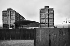 Berlin 2 (rainerneumann831) Tags: berlin blackwhite skulptur hauptbahnhof linien