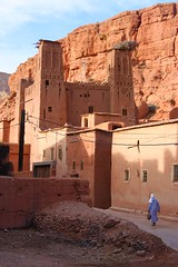 Ksar (miquelopezgarcia) Tags: africa travel red people mountains color detail architecture canon landscape person eos nice arquitectura flickr village colorfull horizon pueblo culture favme paisaje traveller morocco arab adobe ruinas atlas tamron marruecos antiguo cultura barro marroc belleza ksar teenage reportage theworld kasbah followme airelibre allpeople pasiaje travelphotography fullcolor horitzo 2013 perfectcomposition kashba canon450d teenagephotographers tamronlenses deviatge demataro miquellopez firstimeinafrica
