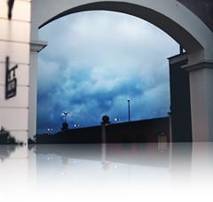 Riflessi & Temporale in arrivo (cor20131) Tags: storm reflection clouds canon eos mirror nuvole bow effect riflessi arco architettura specchio temporale effetti allaperto 1000d