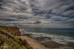 W-IMG_5604 (baroudeuses_voyage) Tags: ocean road sea beach londonbridge rocks oz cove great meadow australia roadtrip victoria cliffs van greatoceanroad 12apostles apostles australie gor elgrotto