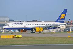 "TF-ISY Boeing 757-223 Icelandair MAN 20-12-15 (PlanecrazyUK) Tags: man manchester icelandair ringway egcc boeing757223 airport"" ""manchester 201215 tfisy"