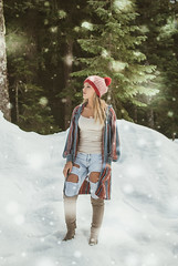 (Anna L. Coleman) Tags: mountain snow outdoors washington woods artistic editorial snowing snowday artisticphotography edgy outdoorportrait outdoorphotography teenmodel