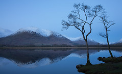Stillness (Billy Currie) Tags: blue winter sunset lake snow reflection tree water scotland still calm hour after loch awe calmness kilchurn