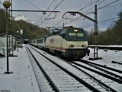 252 (firedmanager) Tags: train tren nieve siemens locomotive arco caminodesantiago intercity locomotora ferrocarril trena gipuzkoa 252 zegamaotzaurte