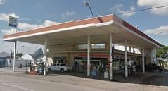 ESSO Servicentro - Estacin de servicio (EDL-Funes) Tags: uruguay young gasstation esso exxon petrolstation gasolinera fillingstation exxonmobil estacindeservicio