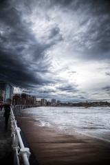 Un Eco (An Echo) (Dibus y Deabus) Tags: sky españa beach clouds canon spain gijón asturias playa cielo nubes gijon hdr temporal 6d playadesanlorenzo