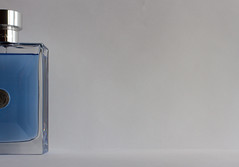 Jean-Baptiste Grenouille did a great job ;-) (TSET0147) Tags: blue 35mm canon blau minimalistic parfum continuation redring llens 52weeks minimalistisch 35l tset 200ml festbrennweite dasparfum fortsetzung canon7d canon35l14 52wochen tset0147 projekt52wochen diefestbrennweite facebookdiefestbrennweite maybe52weeks fortsetzungeinesanderenfotos