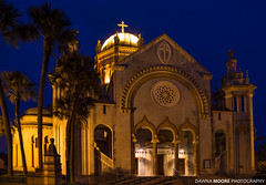 Memorial Presbyterian Church at Blue Hour, St. Augustine, Florida (DawnaMoorePhotography) Tags: travel blue history church yellow night dark photography evening us photo twilight lowlight memorial unitedstates image florida dusk picture historic photograph dome fl bluehour atnight staugustine flagler afterdark henryflagler saintaugustine staugustinechurch memorialpresbyterianchurch dawnamoorephotography dawnamoorephotographycom