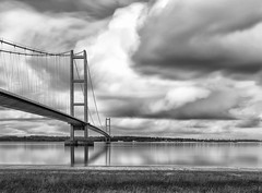 eb_DSC2202 (Paul.Pics.) Tags: bridge light bw sun clouds nikon suspension smooth calm structure f16 1981 tall 100 humberbridge refection tranquill nikon1835 d810 1so 7m15s