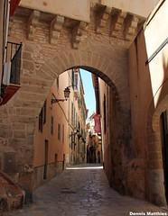 Narrow passage (The Rubberbandman) Tags: old city island town capital mallorca palma majorca balearic balearics