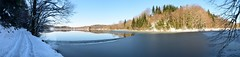 Panorama hivernal d'un lac gel (folles2cv.fr) Tags: france cold ice hiver jura neige winterscene lacgel rgiondeslacs laclepetitmaclu scnehivernal