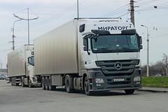 Mercedes-Benz Actros 1844  О 642 РМ 777  (RUS) (zauralec) Tags: mercedesbenz 777 rus 1844 о 642 actros kurgan рм shoppingcenterhypercity