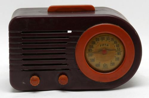 FADA Bullet Catalin Radio, working ($440.00)