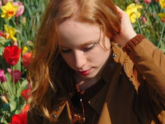 #lesfleursdumal #fiori #flowers #parcosigurt #valeggiosulmincio #nature #portait #redhead #spring #primavera (turolateresa) Tags: flowers primavera nature spring portait redhead fiori lesfleursdumal valeggiosulmincio parcosigurt