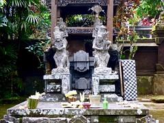 In the Luhur Batukaru tempel . (Franc Le Blanc .) Tags: bali temple lumix panasonic hindu pura batukaru