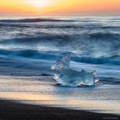 Jokulsarlon Sunrise (Nick Entwistle) Tags: sea people beach sunrise dawn lava iceland waves models iceberg subjects jokulsarlon