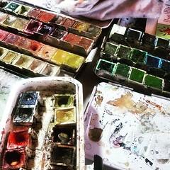 Gut, wenn man im Leben doch... (wandklex Ingrid Heuser freischaffende Knstlerin) Tags: color colour art watercolor studio artist kunst watercolour material choice colourful watercolors watercolours behindthescenes atelier aquarell malerei schmincke handgemalt horadam aquarellfarben wandklex uploaded:by=flickstagram instagram:venuename=bahnhofratzeburg instagram:venue=51075171 instagram:photo=12390579396954715861487357881