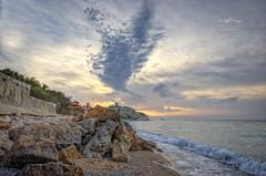 (094/16) Amanecer sobre la Malladeta (Pablo Arias) Tags: espaa costa photoshop spain arquitectura playa paisaje alicante cielo nubes hdr texturas villajoyosa comunidadvalenciana photomatix nx2 playaelparaiso pabloarias lamalladeta