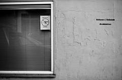 hier nicht (Zimthiger) Tags: street bw canon streetphotography sw architects stpauli architekten hambug hiernicht zimthiger