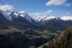 Chast da Tarasp (GR) (Toni_V) Tags: leica sky alps clouds landscape schweiz switzerland spring europe suisse hiking rangefinder mp alpen svizzera frhling wanderung randonne 2016 graubnden grisons svizra escursione ftan summiluxm leicam unterengadin grischun 35mmf14asph scuoltarasp schlosstarasp engiadinabassa digitalrangefinder 35lux messsucher 160430 35mmf14asphfle typ240 toniv m2404472 chastdatarasp