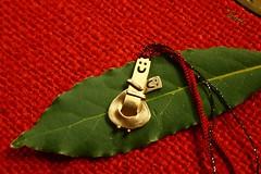 Hug me... (Teteel) Tags: red hug jewelry charm numbers luckycharm 2016 handmadegem ayleaf