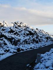 Blue Lagoon Entrance (Jeslettt) Tags: iceland pathway bluelagoon lavarocks
