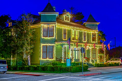 The Centrelia Inn--DSC06895--Pacific Grove, CA (Lance & Cromwell back from a Road Trip) Tags: california nightphotography houses homes sony nightshots montereycounty pacificgrove montereypeninsula sonyalpha dt1650mmf28 a77ii pacificgrovenight