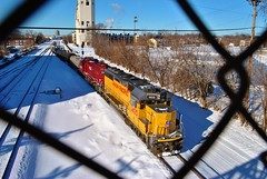 UP Golden Valley Job Wrapping Up Their Day (Andrew.Osborne) Tags: santa railroad up saint minnesota burlington turn paul golden pacific union january minneapolis railway rollins company valley fe midway avenue northern bnsf helm leasing subdivision wayzata 2016 crossovers hlcx