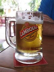 "Siem Reap: bière pression <a style=""margin-left:10px; font-size:0.8em;"" href=""http://www.flickr.com/photos/127723101@N04/24295901955/"" target=""_blank"">@flickr</a>"