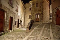 Visso - Marche (giasti01) Tags: luci notte marche gianni giancarlo macerata stradina artificiali visso sticchi