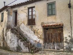 Casa en Sant Quirze  Safaja. Barcelona. (claramunt.merche) Tags: pueblo hdr
