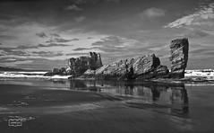 Playón de Bayas/ Bayas beach (Jose Antonio. 62) Tags: sea blackandwhite bw españa reflection blancoynegro beach beautiful clouds mar spain rocks asturias playa nubes reflejo rocas playóndebayas