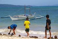 Local kids on Bulabog Beach, Boracay island, Western Visayas, Philippines (Darius Travel Photography) Tags: pentax philippines boracay filipinas pilipinas boracayisland    pentaxk100dsuper   filipinai