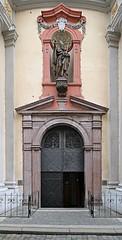 Praha, MS, kostel sv. Tome (ladabar) Tags: prague prag praha portal vstup portl pragdetail