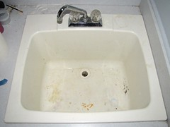 sink laundry full (seanduckmusic) Tags: water plumbing fountains sinks drains witsendep