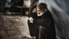 The Old Man and the.... (Funda _) Tags: old light portrait streetart art colors beard photography photo flickr image homeless streetphotography streetportrait oldman fujifilm bild x20 resim streetimage fujifilmx20