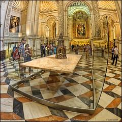 (2261) Catedral Sevilla (QuimG) Tags: art church architecture golden sevilla andaluca spain arquitectura interiors fisheye panasonic catedraldesevilla specialtouch quimg quimgranell joaquimgranell afcastell obresdart