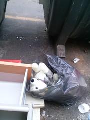 il miglior amico di sempre (psychodogs) Tags: roma dogs cane strada triste basura peluche solitudine sacco abbandono mondezza