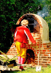 Tudor Life at Kentwell Hall 1579, May 2015, Suffolk, England (Niko S90) Tags: costumes longmelford england history canon costume suffolk tudor historic historical recreation reenactment kentwellhall 16thcentury livinghistory historicalreenactment 2015 kentwell tudors historiccostumes tudorrecreation tudortimes historicalreenactments historicalrecreation tudorreenactment tudorlife tudorliferecreation tudorcostumes tudorhistory lifeintudortimes tudorlifeatkentwellhall tudorlifeatkentwell kentwell2015
