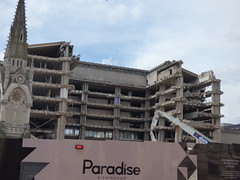 Paradise Birmingham - ongoing Birmingham Central Library demolition (ell brown) Tags: greatbritain england concrete birmingham paradise unitedkingdom demolition constructionsite buildingsite westmidlands dsm centrallibrary redevelopment chamberlainsquare brutalistarchitecture demolitioninprogress chamberlainmemorial johnmadin birminghamcentrallibrary ovearuppartners dsmdemolition brutaliststyle johnmadindesigngroup sirrobertmcalpinesons paradisebirmingham carillioncontractors