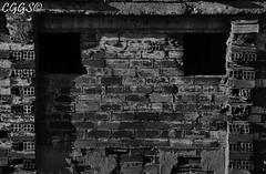 "Os Sphenoidale (""CGGS Photography"" on Facebook) Tags: old shadow blackandwhite bw espaa brick ladrillo muro byn blancoynegro wall pared photography spain nikon photographer sombra brickwall shade viejo antiguo fotografo fotografa fotografa airelibre monocromtico d90 cggs nikond90 pareddeladrillo murodeladrillo"